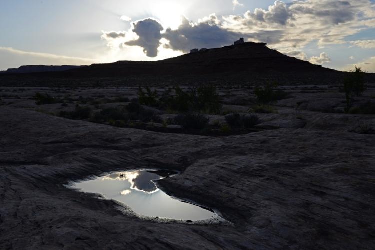 Canyonlands sunrise pool_sm