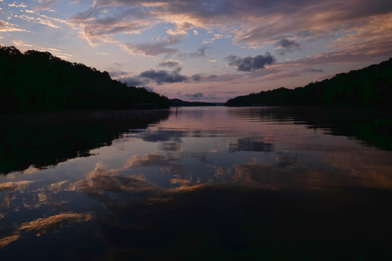 Beaver-Lake-Sunrise-NW-Arkansas